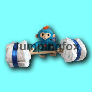 luiertaart aapje met een gewichtheffer