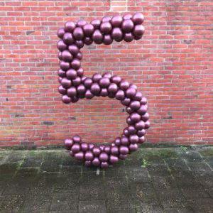Ballonnenpilaar cijfer 5