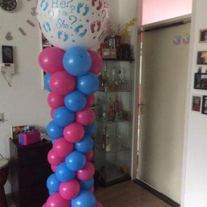 Ballonnen pilaar gender reveal wit