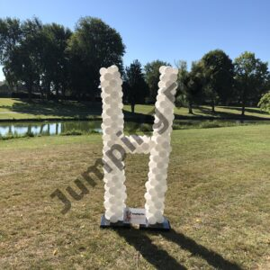Ballonnen pilaar letter H