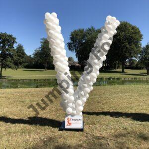 Ballonnen pilaar letter V